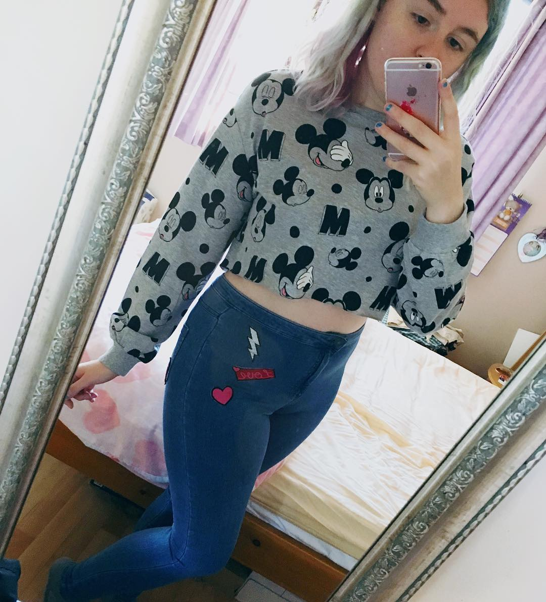Mickey Mouse Print Cropped Sweater With Jeans