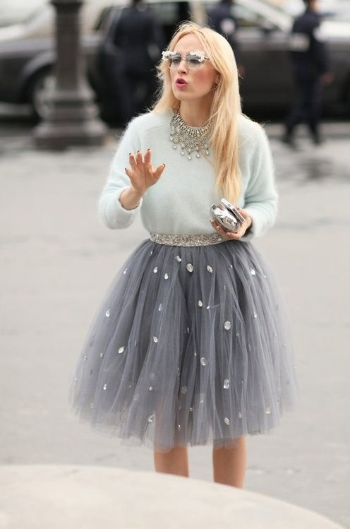 Nice Soft Fur Top With Net Skirt & Beautiful Necklace Perfect For Party