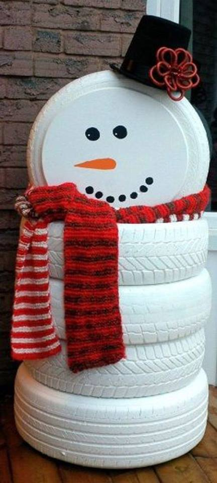 Paint Old Tyres With White To Make Snowman For Christmas