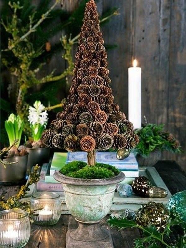 Pine-Cones Christmas Tree Decor