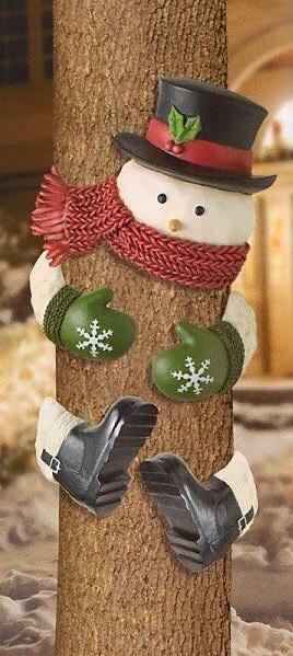 Pretty Outdoor Christmas Decor Idea