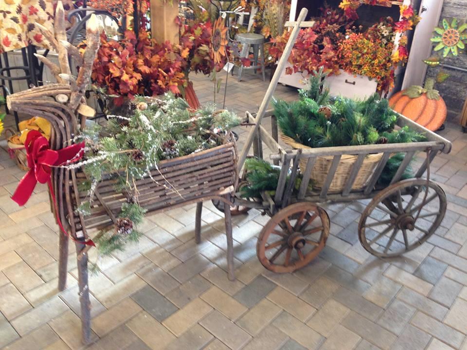 Ravishing Idea To Decorate Your Backyard At Christmas