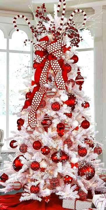 Red And White Christmas Tree Decoration With Candies And Ornaments