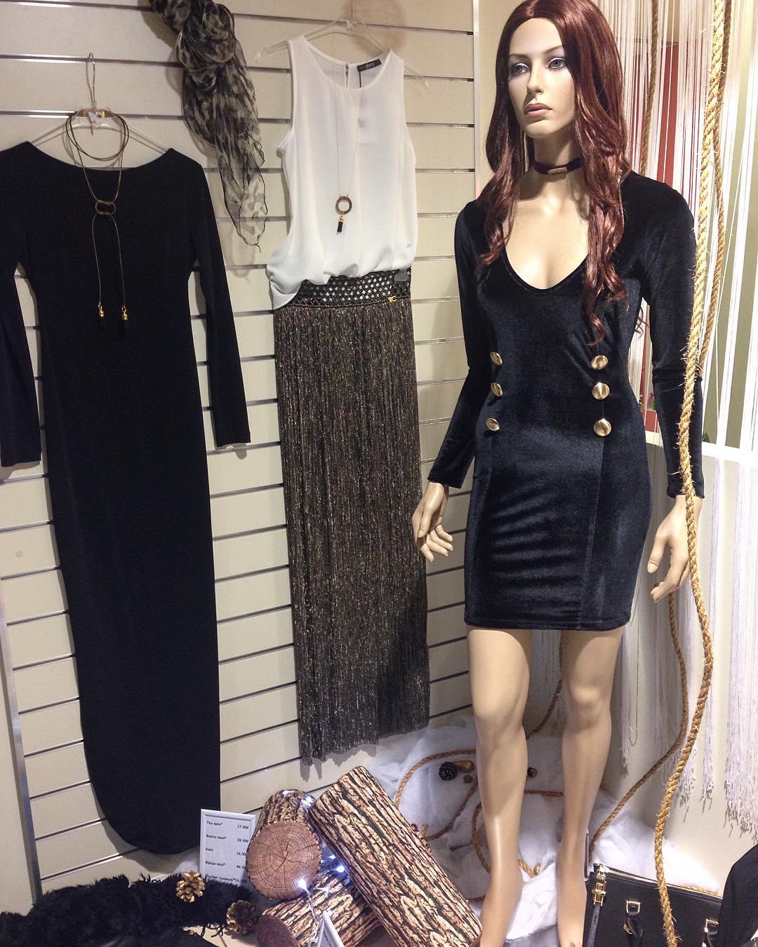 Sassy Black Velvet Short Party Dress Design