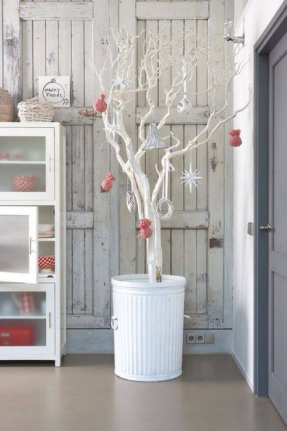 Scandinavian Style Christmas Tree Decor