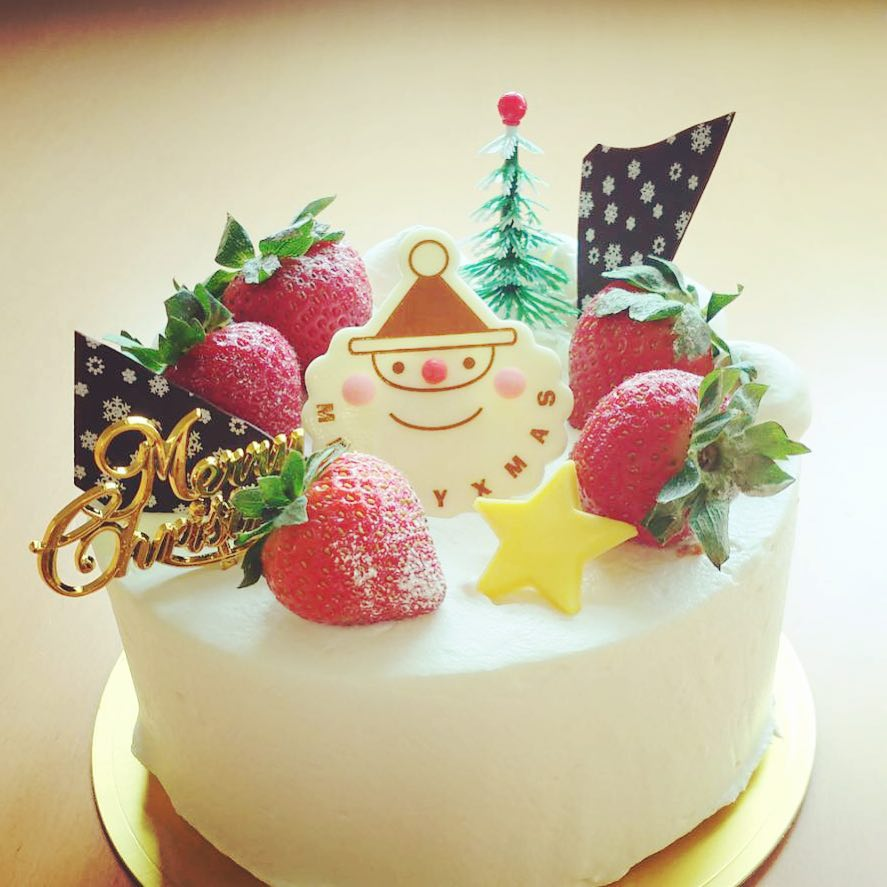 Simple Christmas Cake Decorated With Sfluffy Sponge Sweet And Sour Strawberry