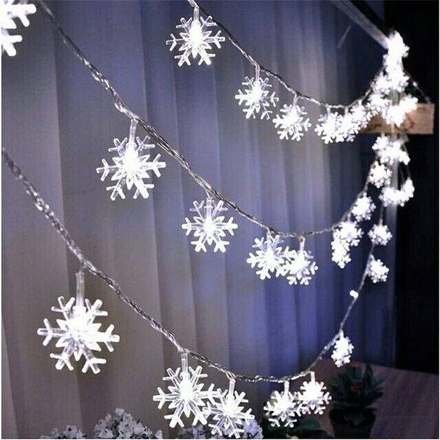 Snowflakes Christmas LED Curtain Light Decoration