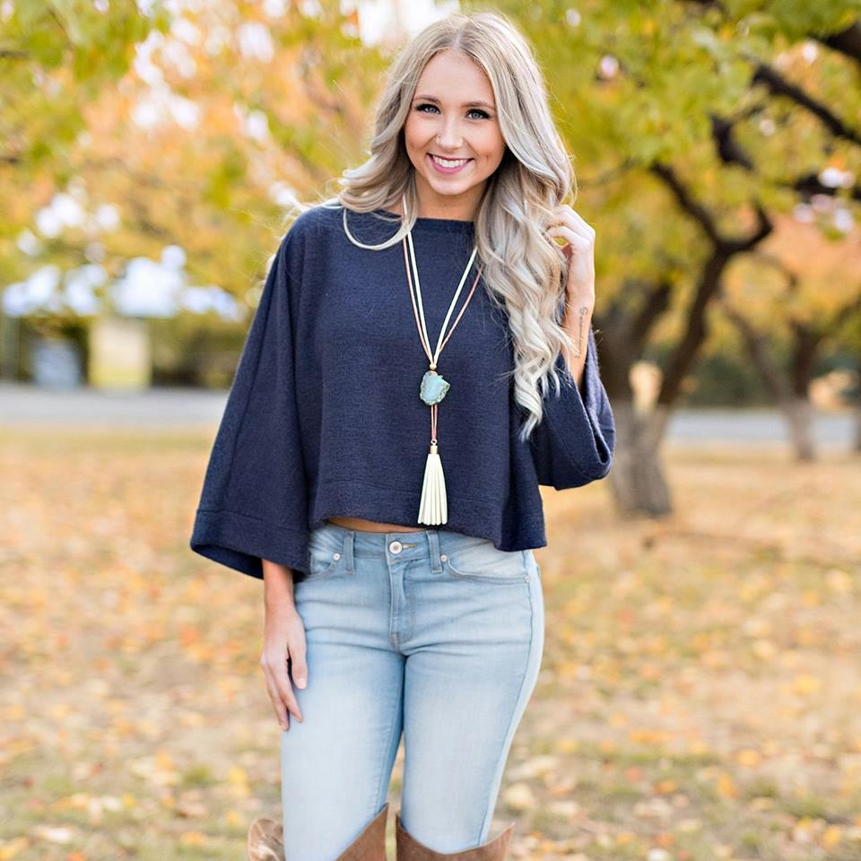 Stylish Navy Blue Loose Sleeves Cropped Sweater Paired With Jeans And Leather Knee Shoes