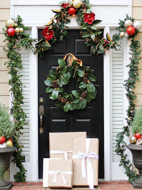 Swanky Outdoor Decor With Greenery, Ornaments And Pine-Cones
