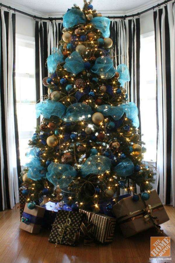 Turquise Blue Ans Bronze Decor At Tree