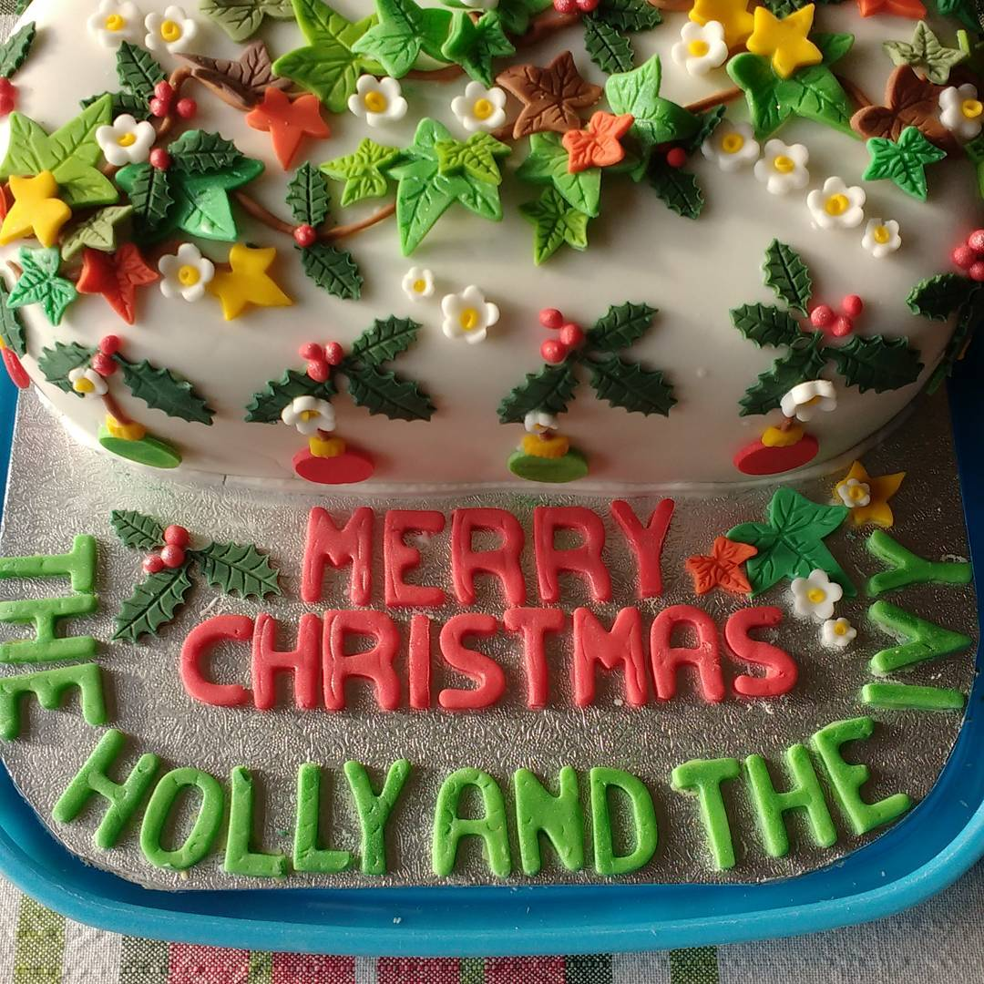 Ultimate Decoration Of Christmas Cake