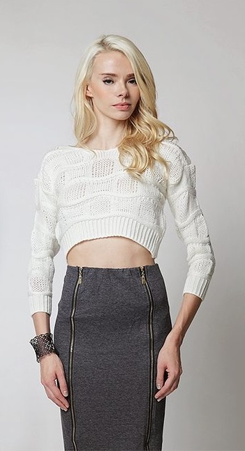 Versatile Cropped Knit Top With Grey Skirt