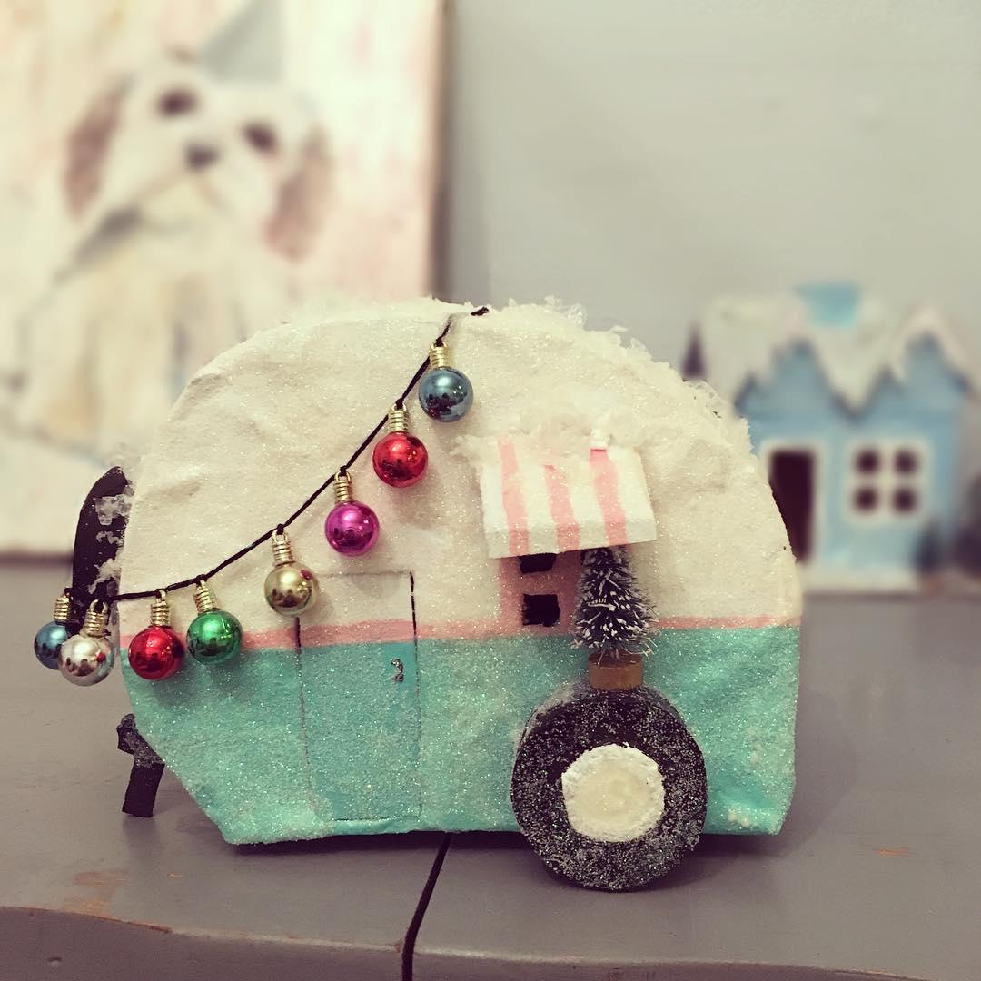 Vintage Style DIY Camper