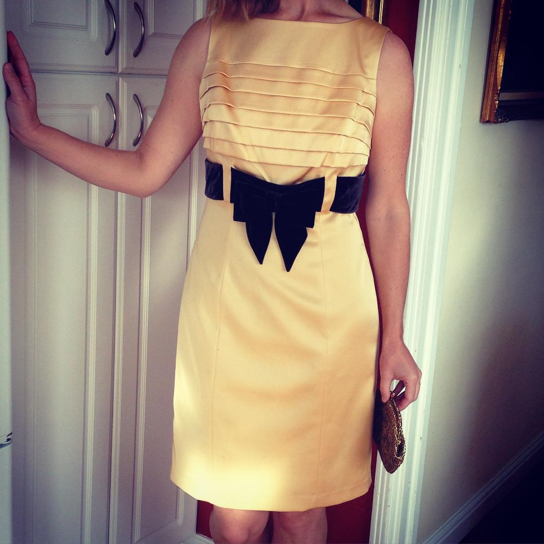 Vintage Style Light Yellow Satin Dress With Bow On Waist
