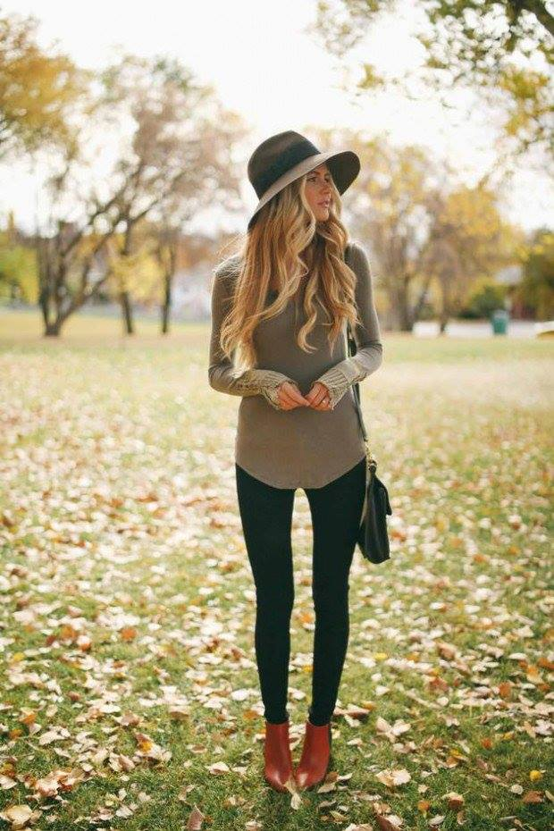 Adorable Plane Sweater With Jeans, Leather Shoes, Handbag And Hat