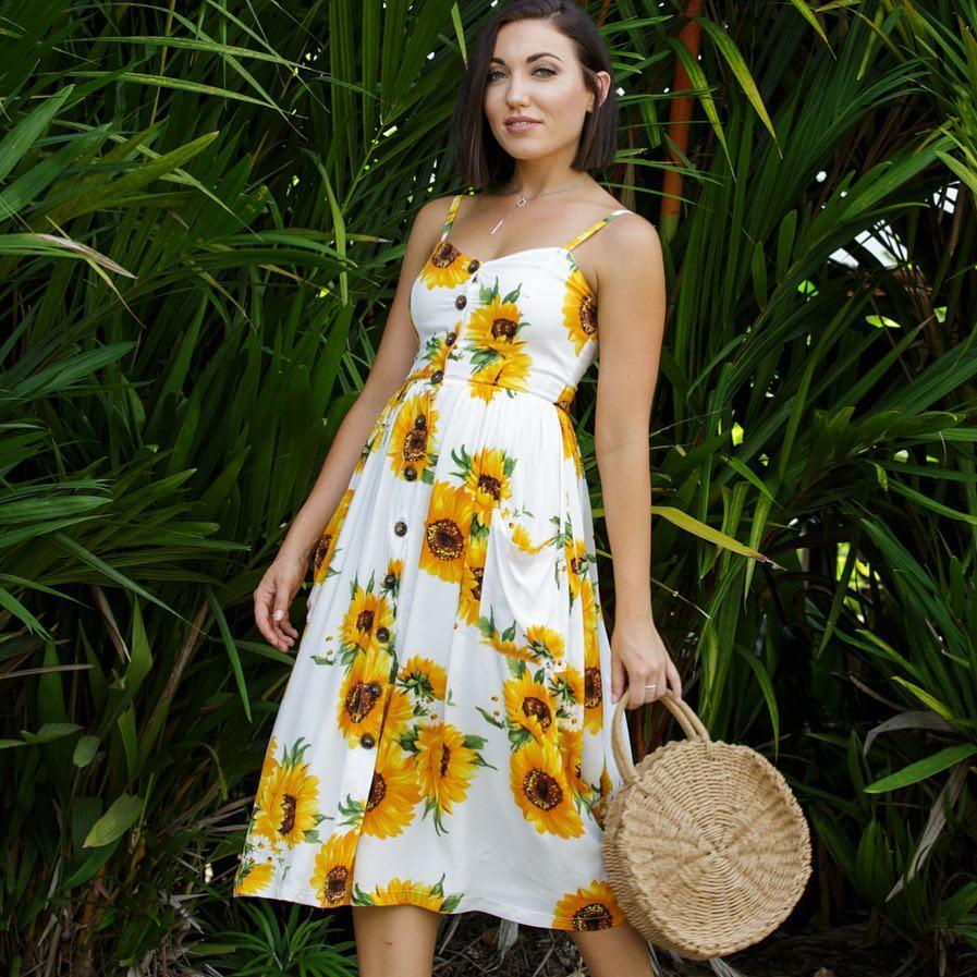 Adorable Sunflower Print Midi With Straw Bag