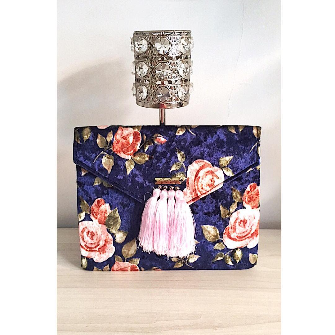 Alluring Party Clutch Design