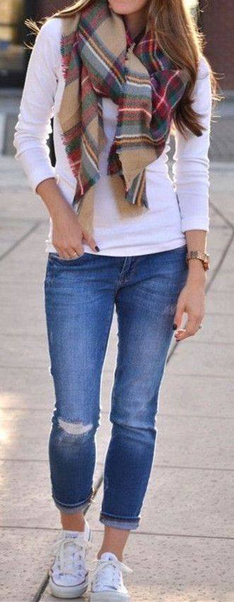 Casual Spring Outfit With Pladed Scarf