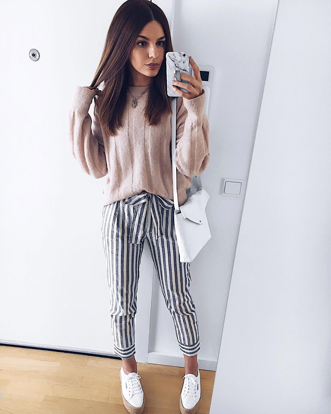 Casual Stripes Bottom With Loose Sweater & Sneakers