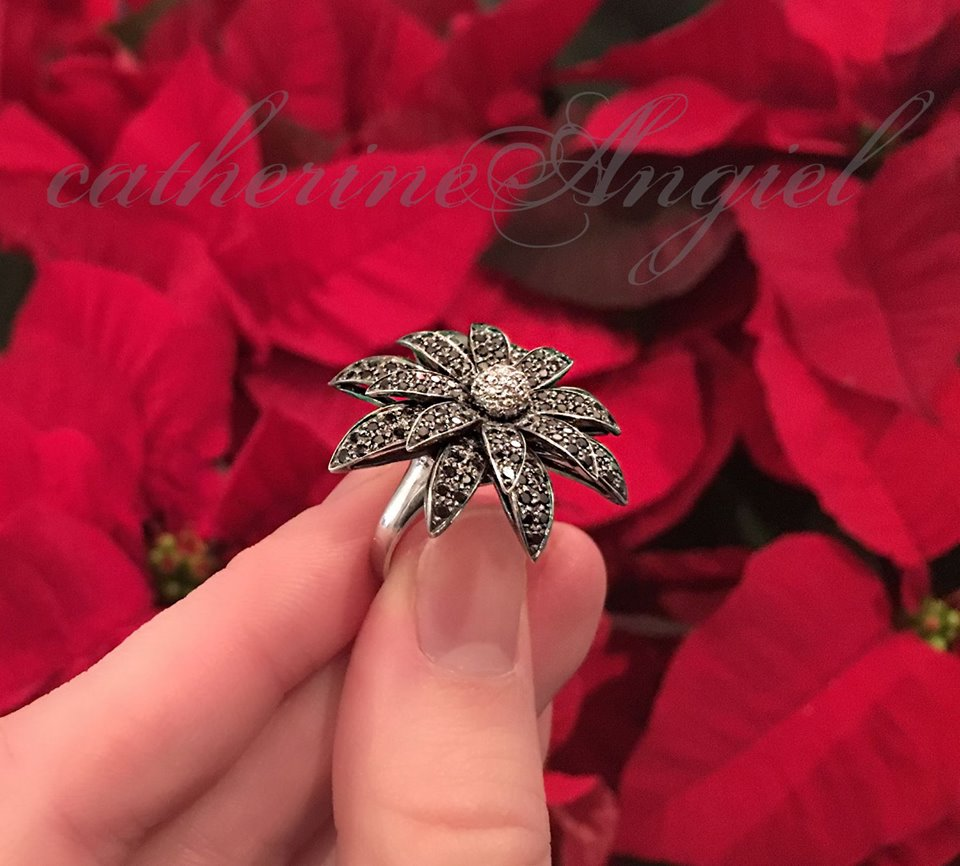Chic Black Diamond Flower Engagement Ring