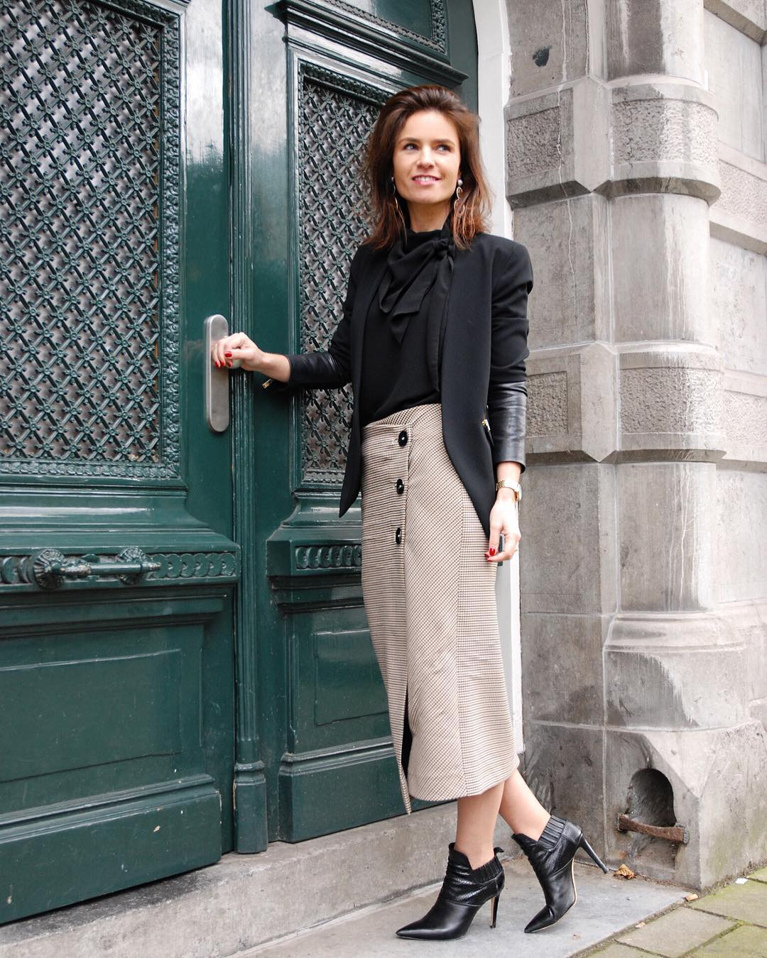 Chic Corporate Style Outfit