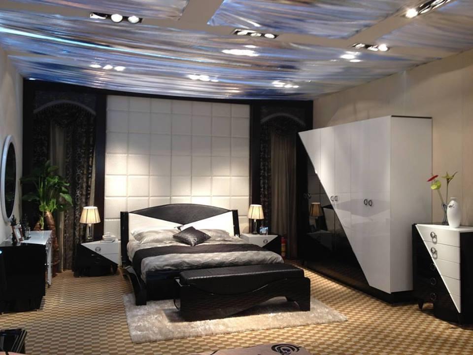 Cool Black & White Modern Interior