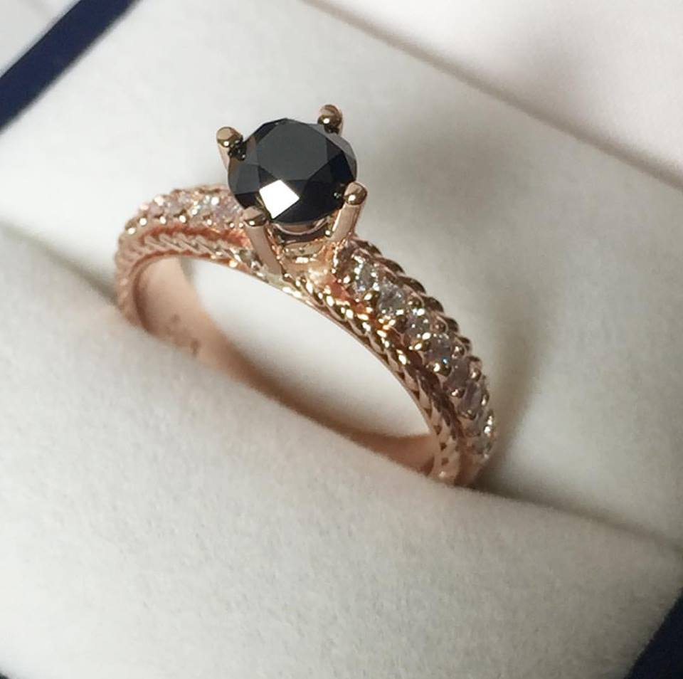 Dazzling Engagement Ring Design
