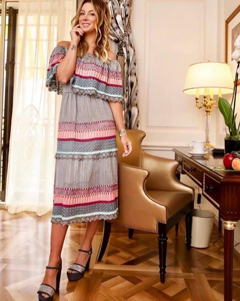 Elegant Off Shoulder Boho Chic Dress With High Heels
