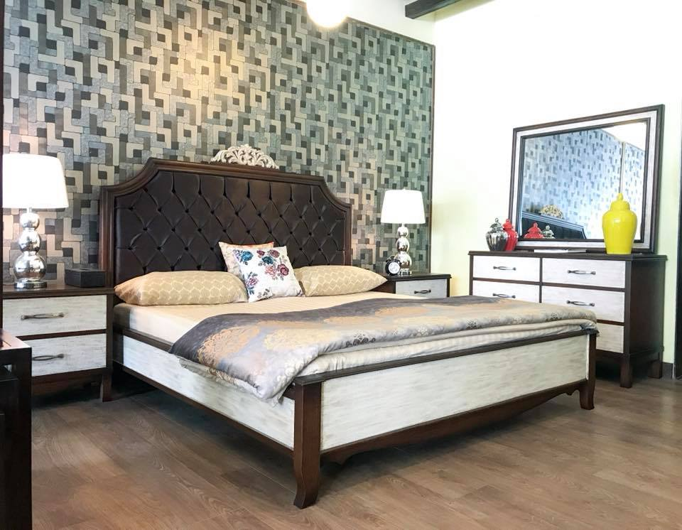 Fabulous Rustic Finish Contemporary Bedroom