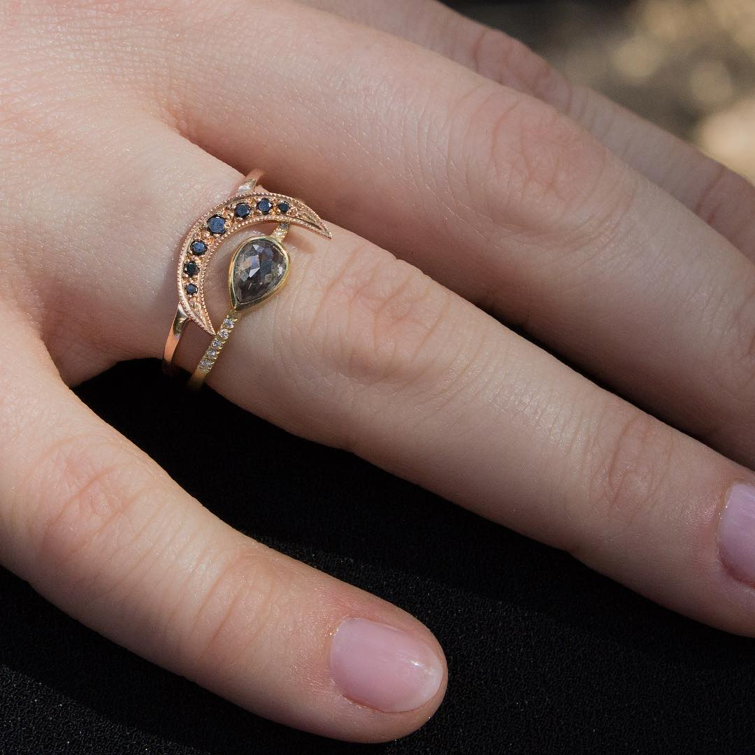 Graceful Moon Design Ring