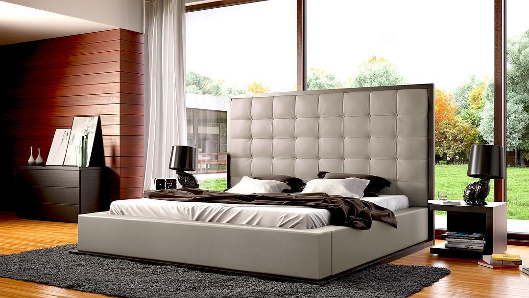 Lavish Button Tufted Headboard With Seamless Wood Border Attract Attention