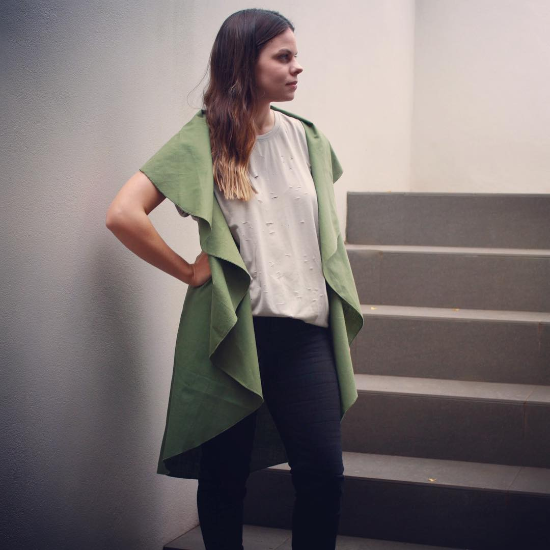 Lovely Spring Outfit With Dimension Khaki Cape