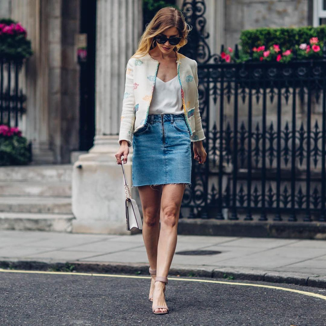 Marvelous Floral Print Jacket Paired With V-Neck Top And Denim Short Skirt