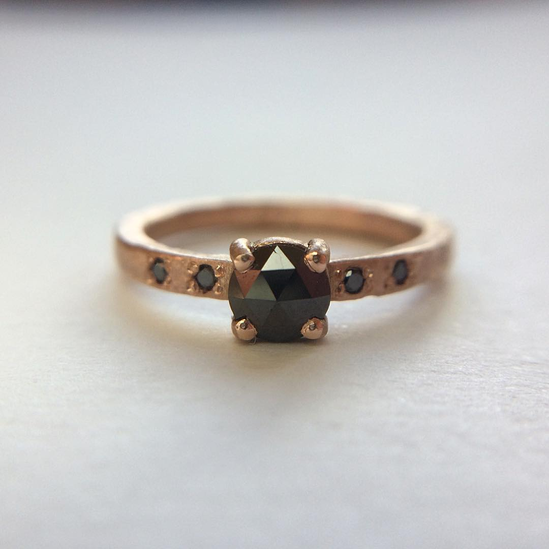 Pretty Combo Of Rose Gold & Black Diamond