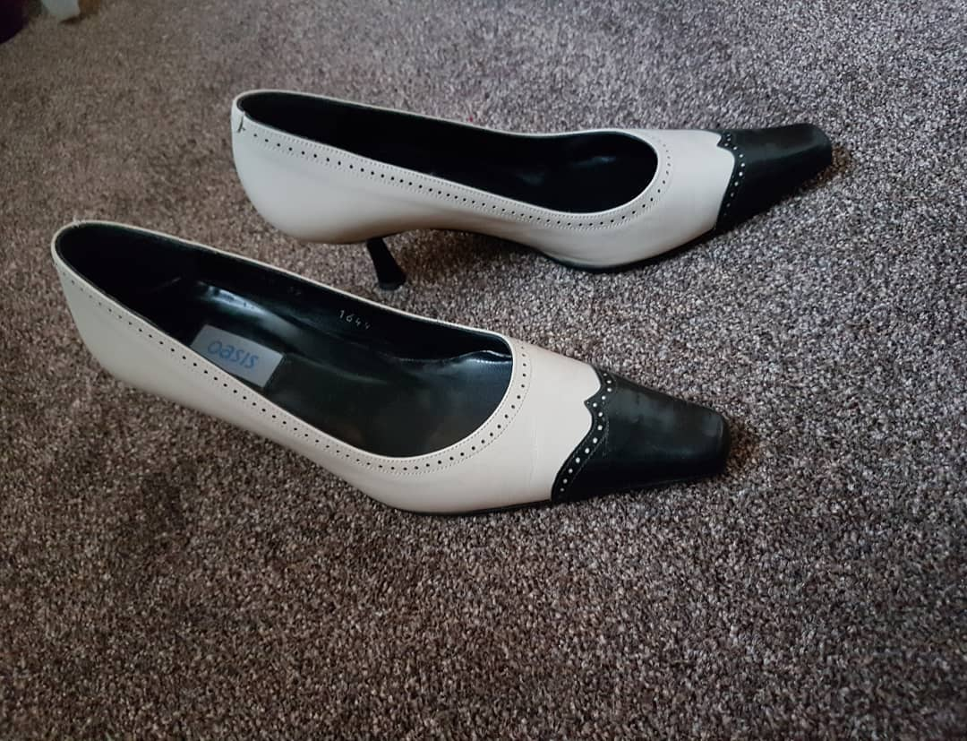 Retro Style Black & White Pumps
