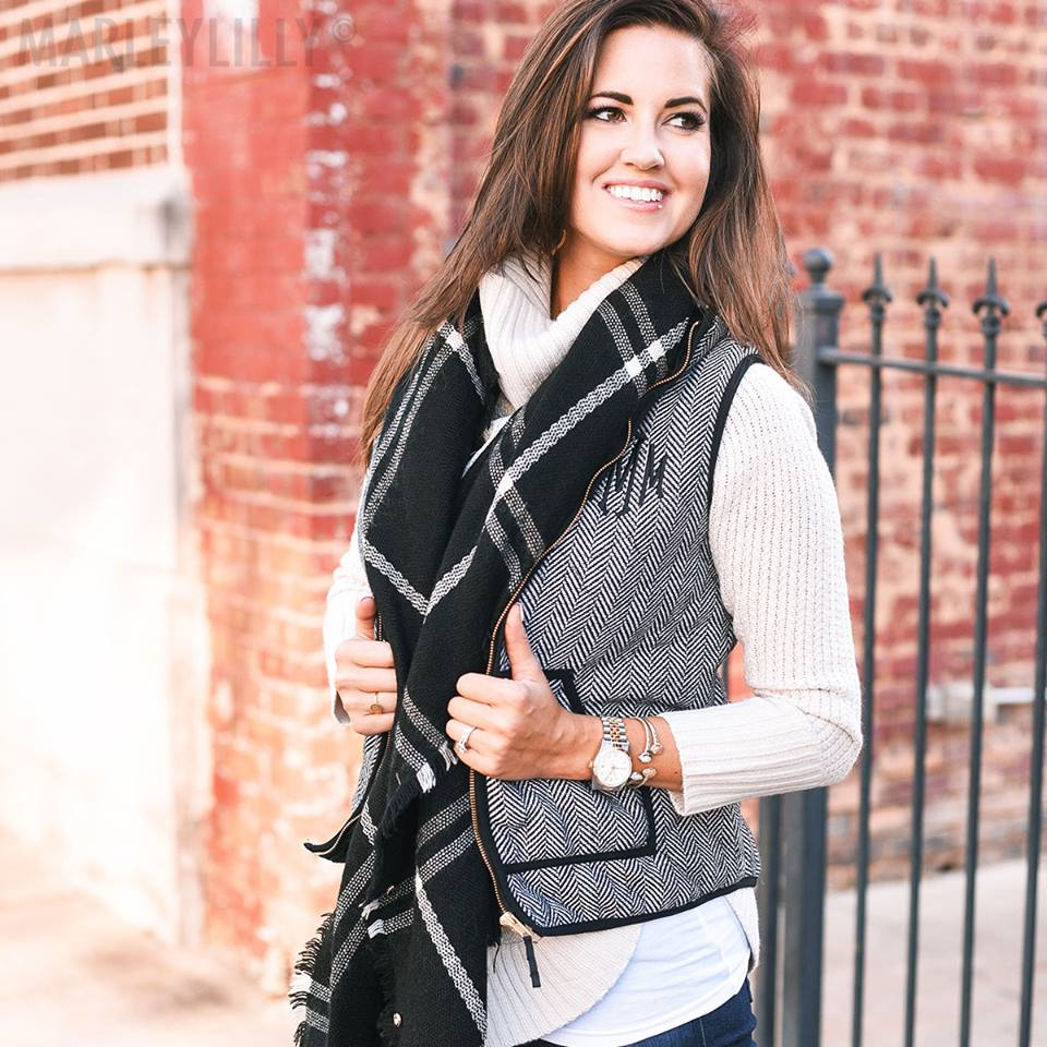 Rocking Black & White Fall Outfit