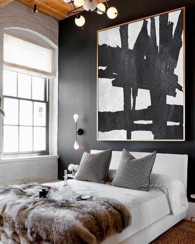 Sassy Contemporary Bedroom With Beautiful Wall Decor