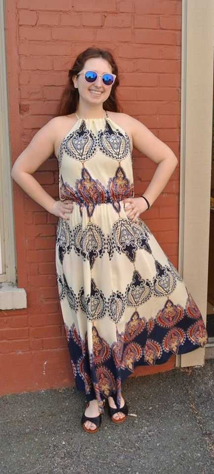 Stunning Halter Neck Maxi Dress With Sunglasses
