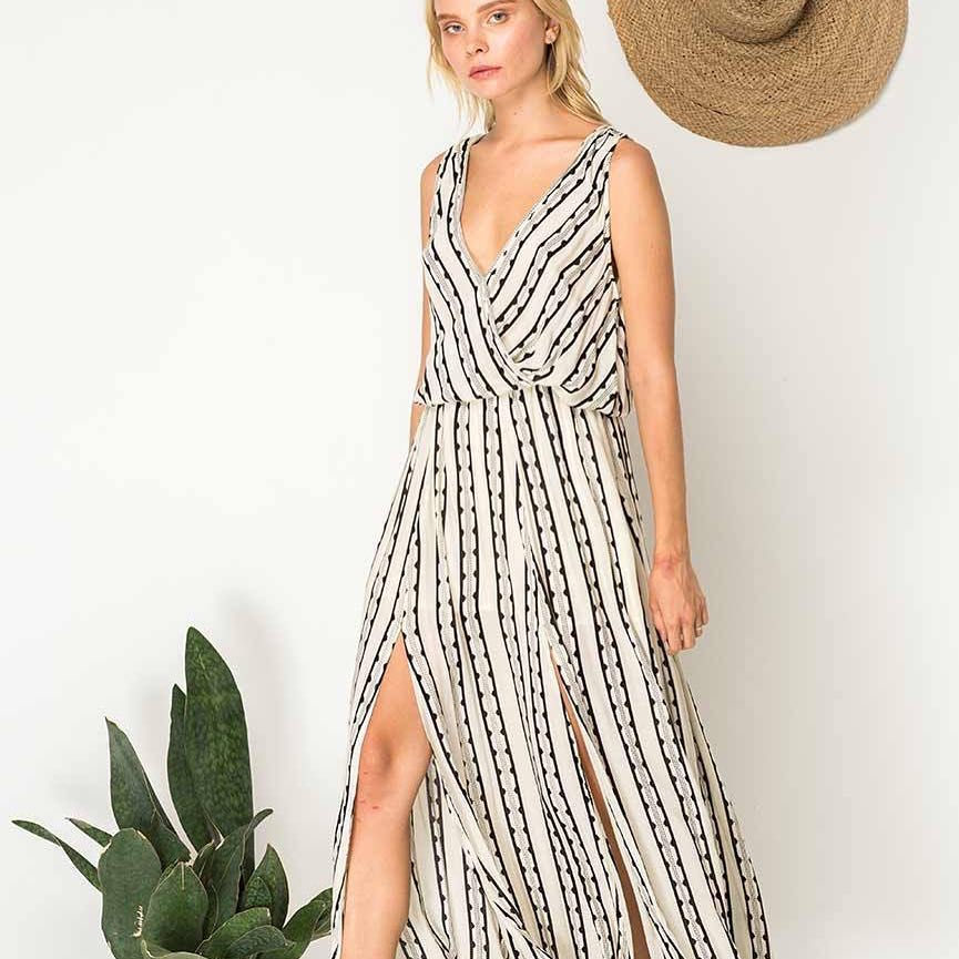 Adorable Maxi Dress With Side Slit For Classic Summer