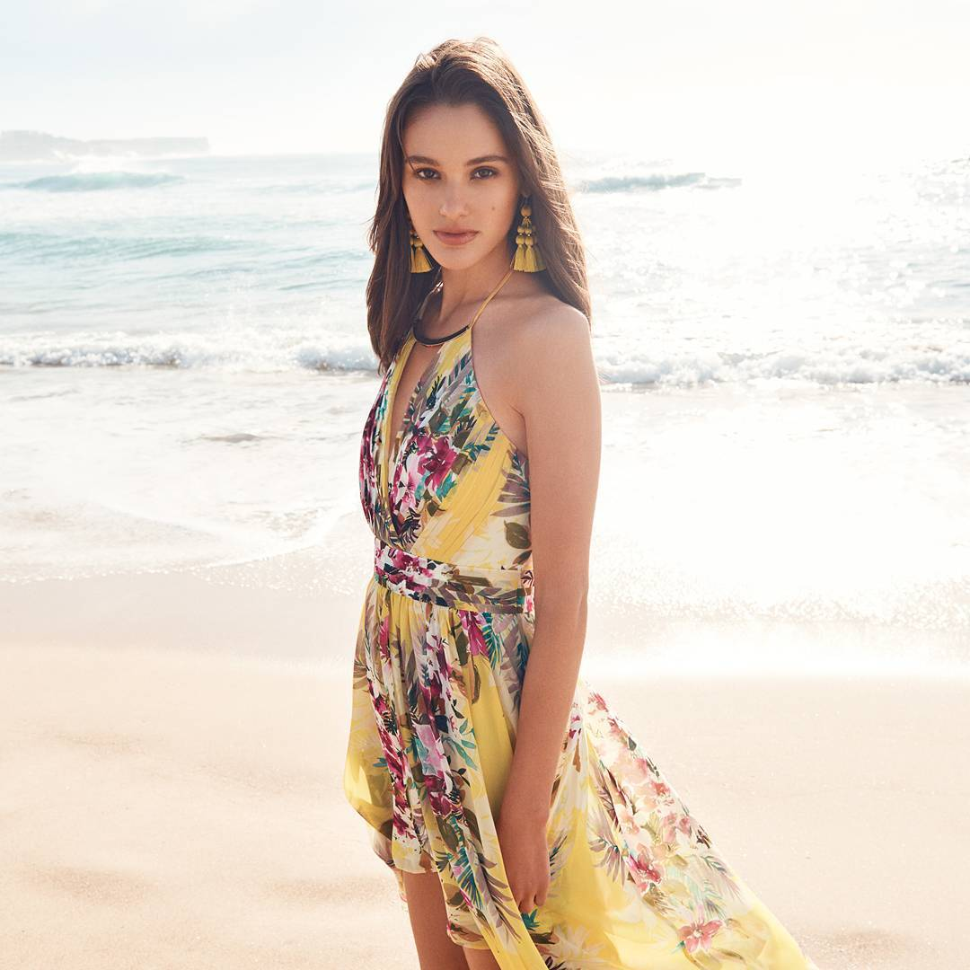 Amazing Floral Printed Dress For Summers In Beaches