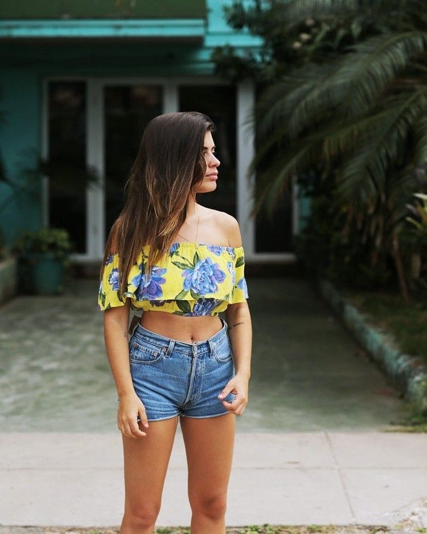 Beautiful Floral Crop Top With Shorts