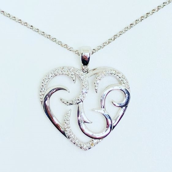 Best White Gold Heart Pendant With Round Cut Diamonds