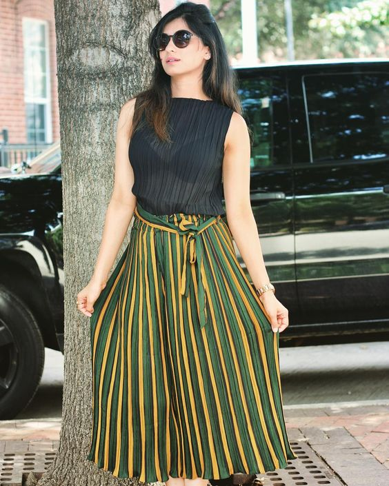 Comfortable Color Block Stripped Gaucho Pant With Black Top