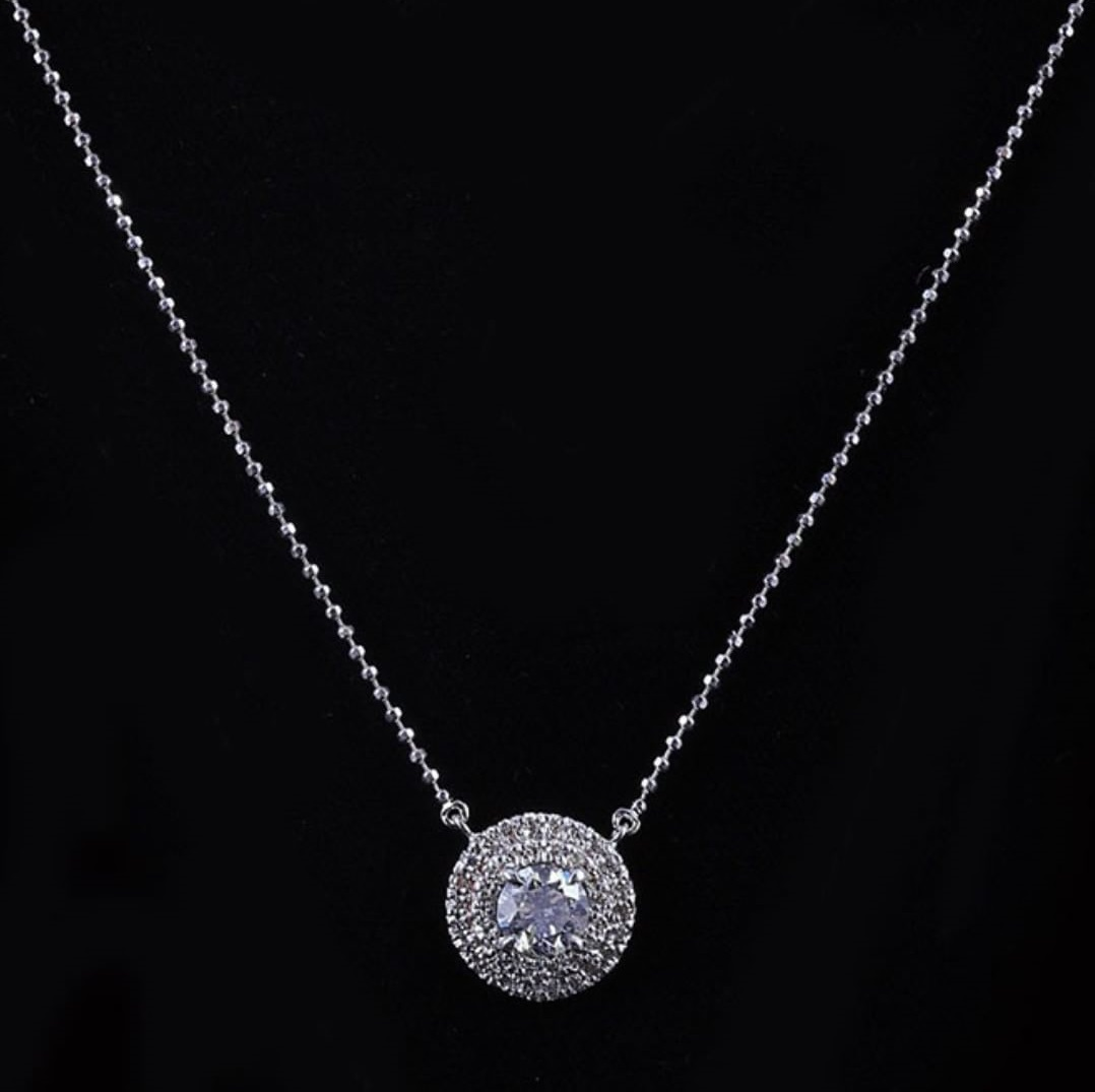 Dashing Round Diamond Pendant