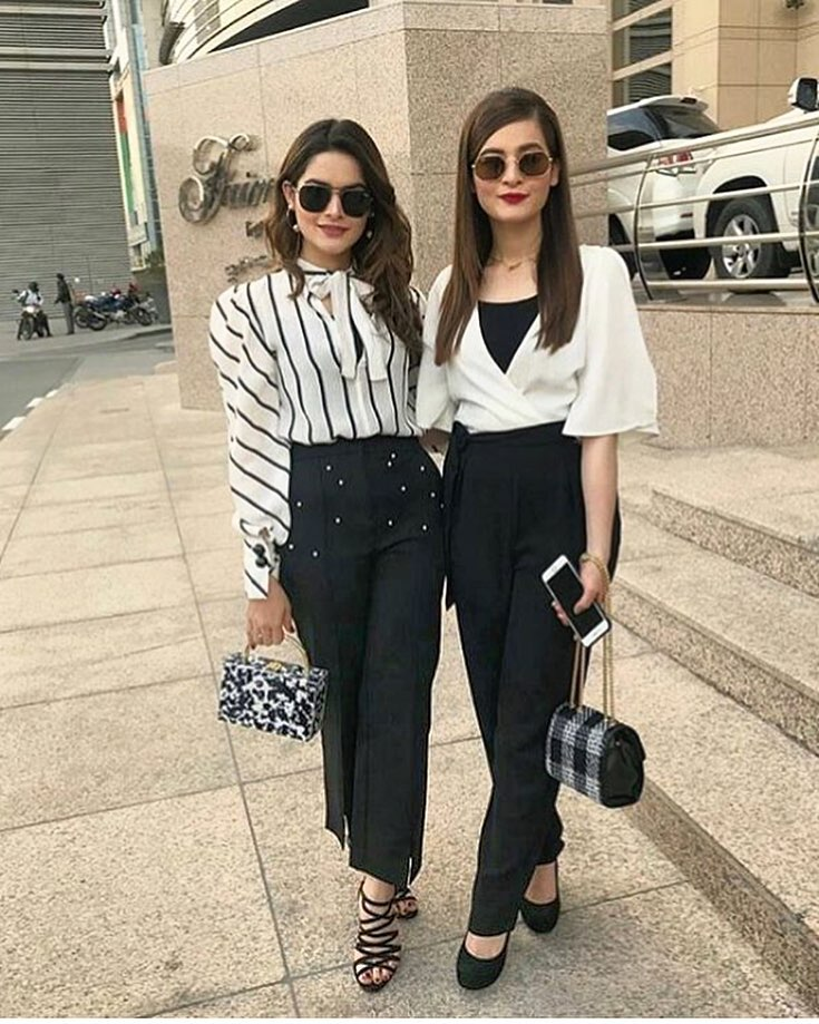 Eye-Catching Black & White Outfits For Teenage Girls