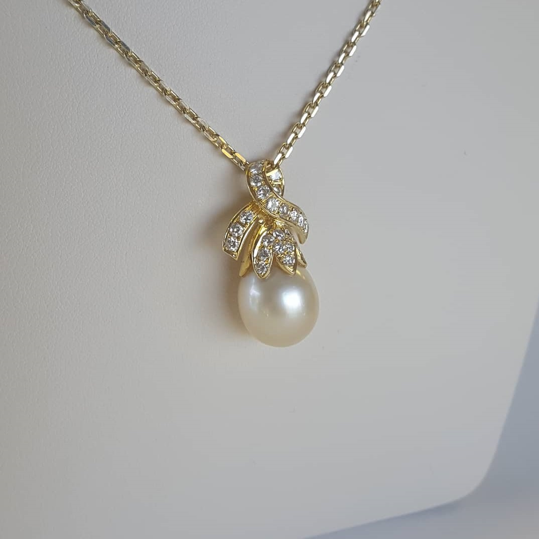 Fabulous Pearl With Diamond Pendant
