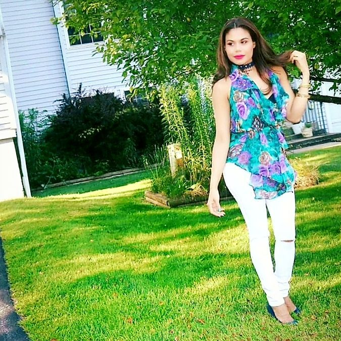 White Ripped Jeans With Floral Top Ad Dark Blue Heels