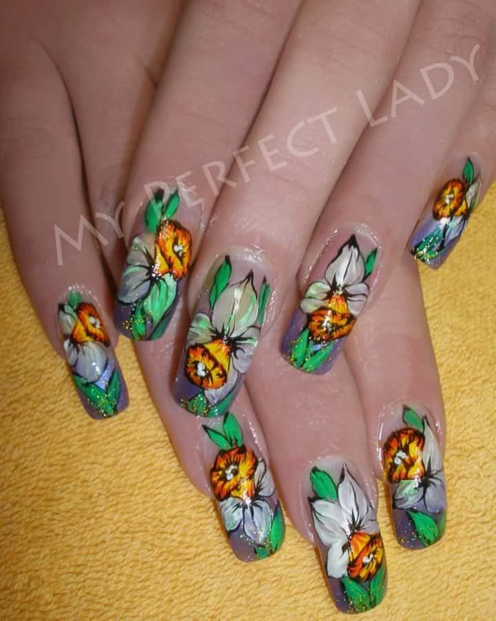 Floral Summer Nails Art Idea