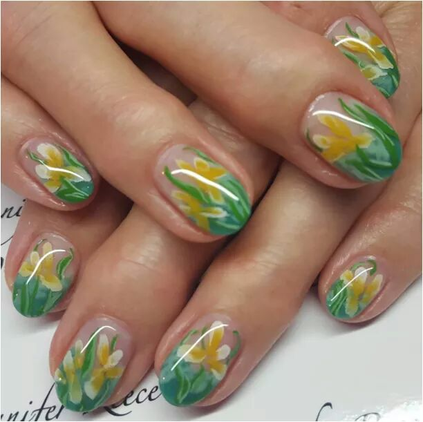 Glossy Touch Green And Yellow Nails