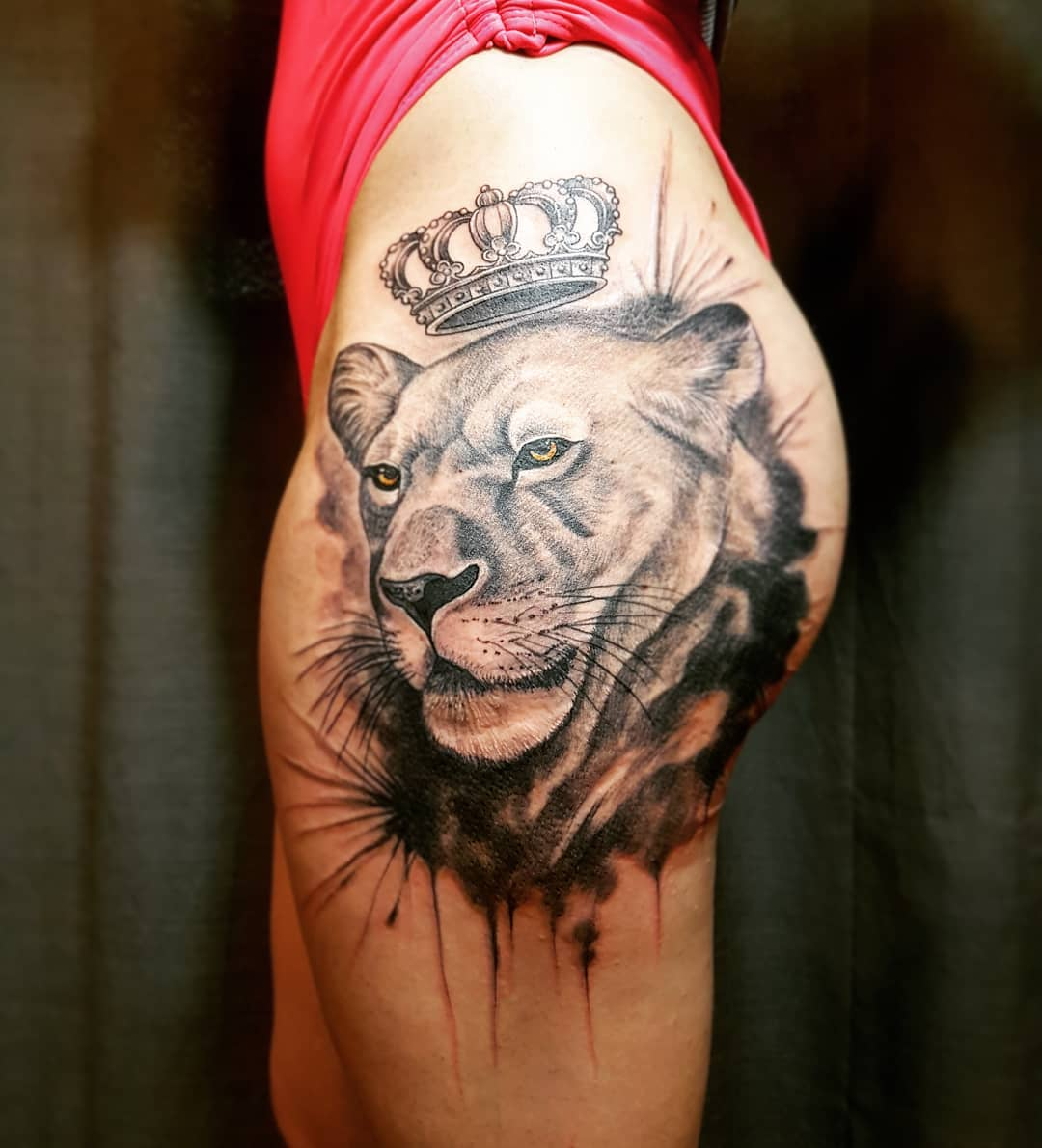 Lovely Realistic Lion Tattoo With Crown on Side Hip